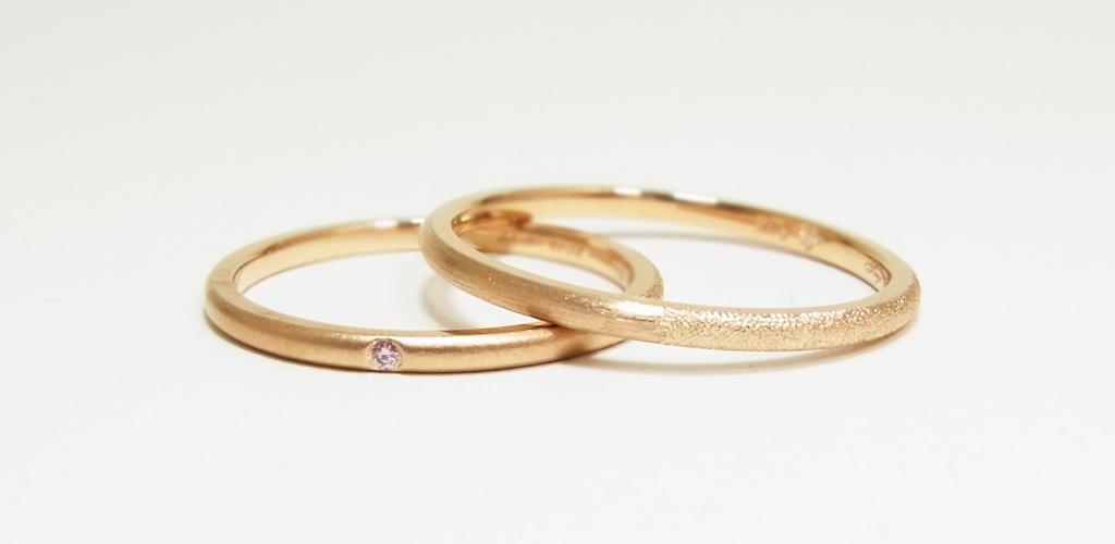 K18ピンクゴールド/細身幅/ピンクダイヤモンド/ブラスト/手彫り