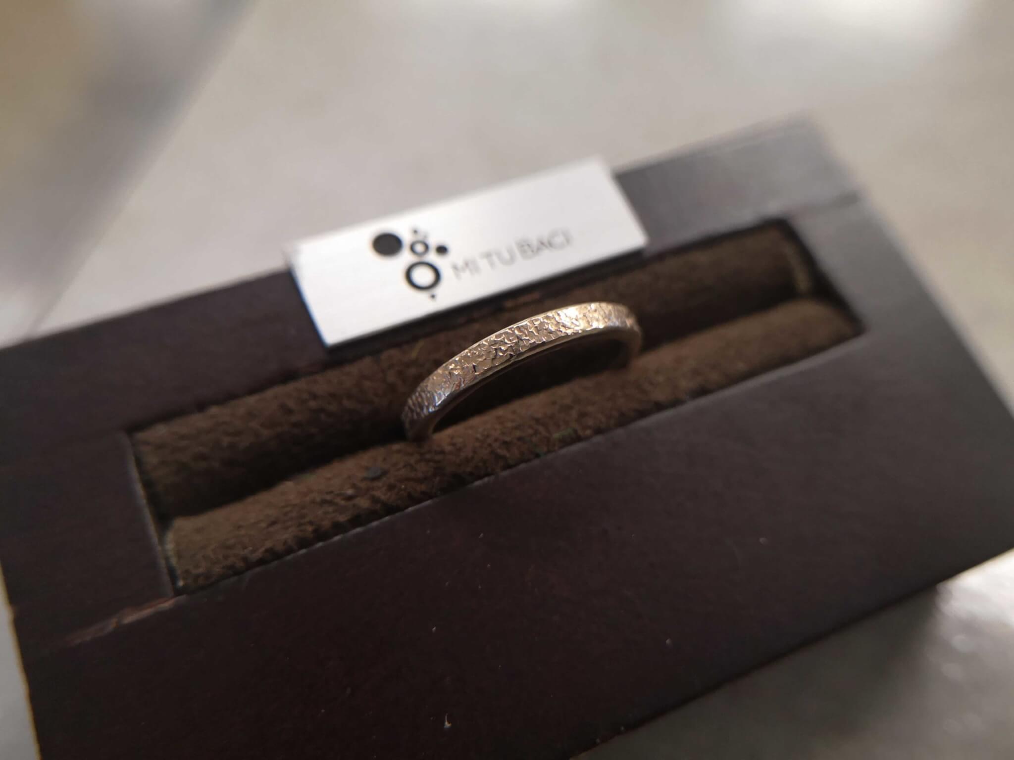 槌目(スノーフレーク)・雪のようなキラキラした結婚指輪
