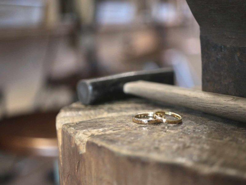 鍛造の結婚指輪ってどうしておすすめなの!?手作りすることはできるの?