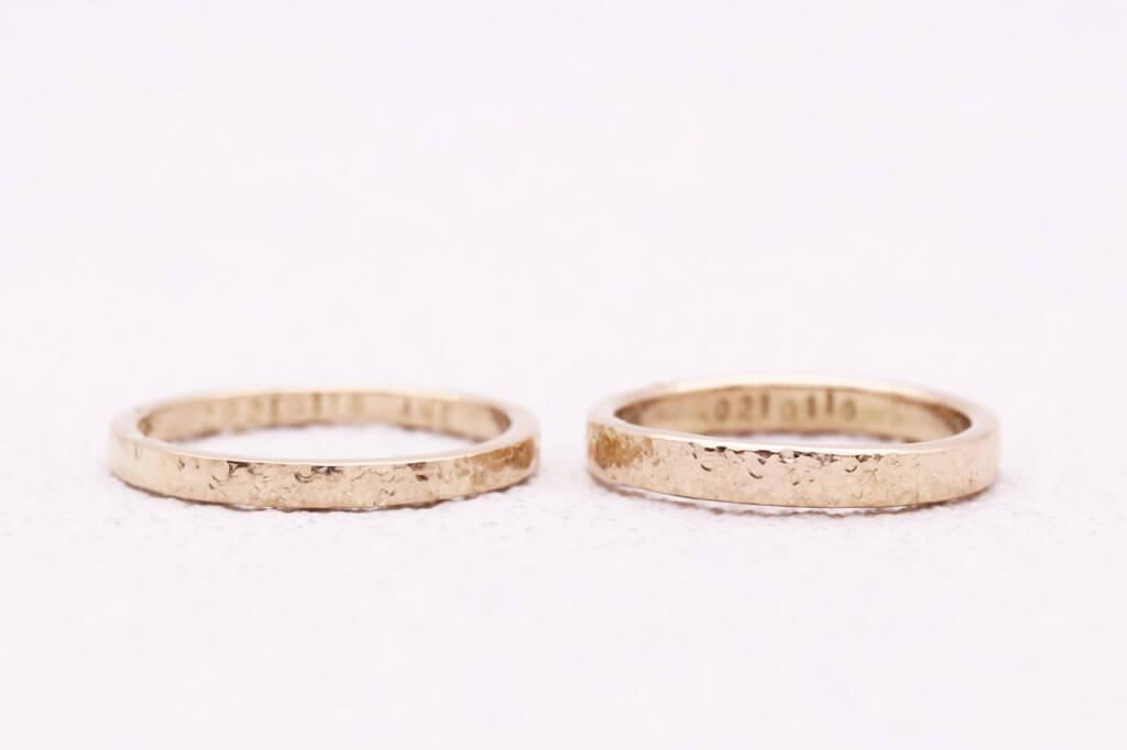 シャンパンゴールドで作るスノーフレークの結婚指輪