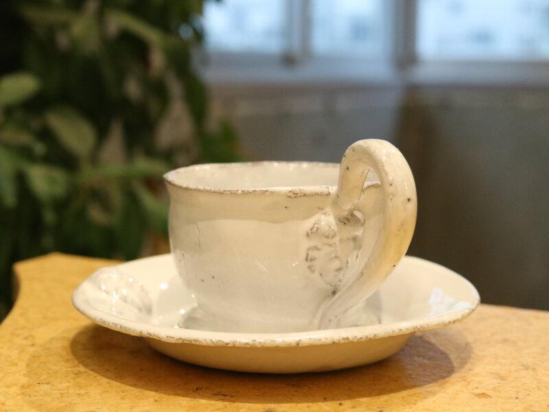 シンプルだけど存在感のあるティーカップ:職人の大切にしているもののお話