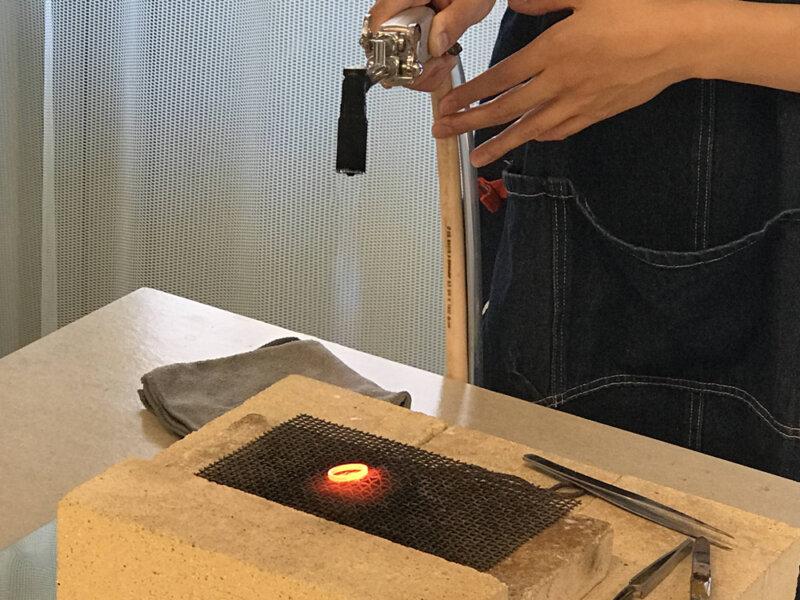 火を使う作業台とロウ付けに使う工具のお話