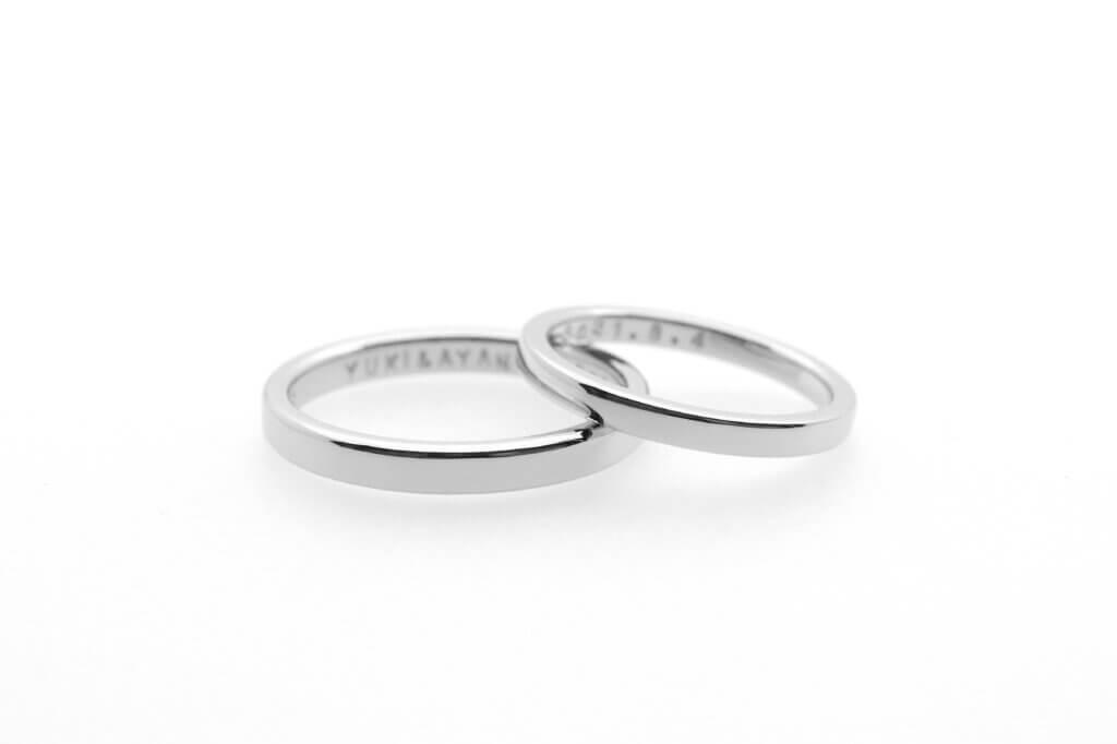 シンプルなプラチナの結婚指輪