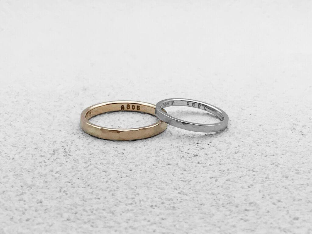 好きな素材で作る槌目の結婚指輪