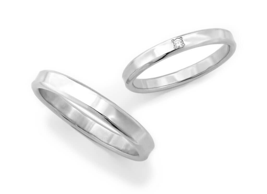 ゆったりとしたカーブの結婚指輪