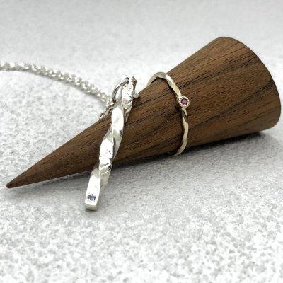 誕生石を入れた手作りネックレス